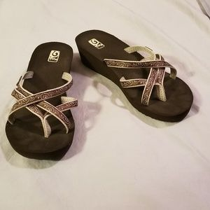 Teva Mush Strappy Flip Flops Sandals Shoes 10